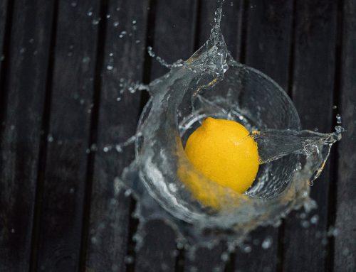 Água com limão: a dieta mais simples para emagrecer?