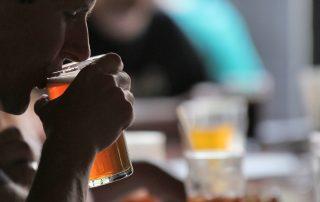 beber durante a refeição